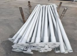 White Scaffold Props Packing