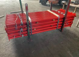 Red Scaffold Props Packing