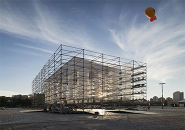 Shoring and Scaffolding for the construction of urban landmarks